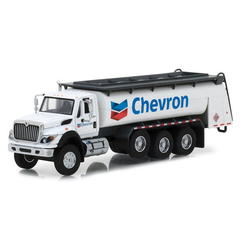 Miniatura Caminhão Tanque International 2018 WorkStar Chevron SD Trucks Serie 5 1/64 Greenlight