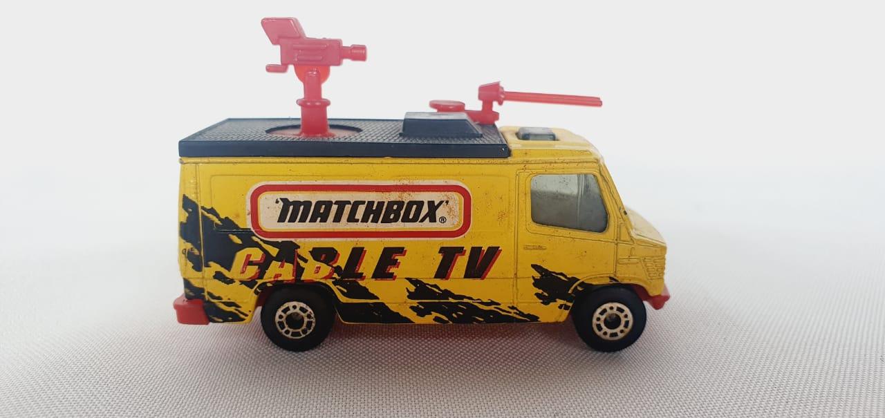 Miniatura Caminhão TV News Truck 1/64 Matchbox