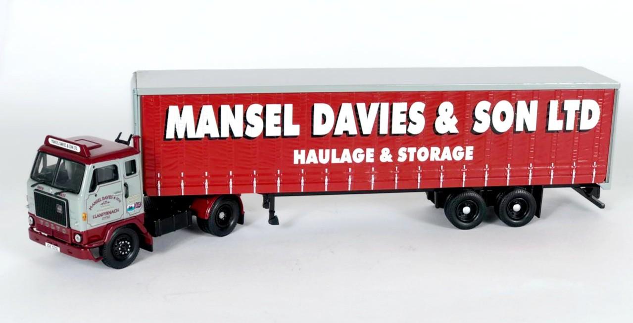 Miniatura Caminhão Volvo F88 Tautliner Mansel Davies & Son Ltda 1/50 Corgi
