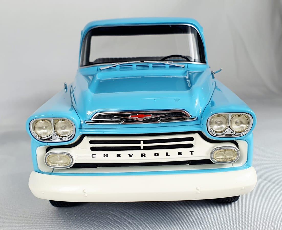 Miniatura Chevrolet Apache Pick Up Com Defeito 1/18 Bos Best of Show