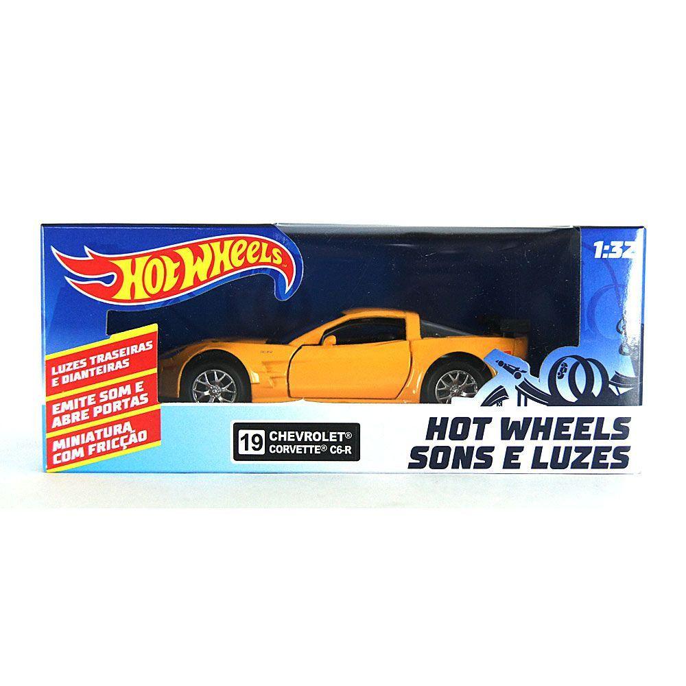 Miniatura Chevrolet Corvette C6-R Amarelo Luz e Som 1/32 Hot Wheels