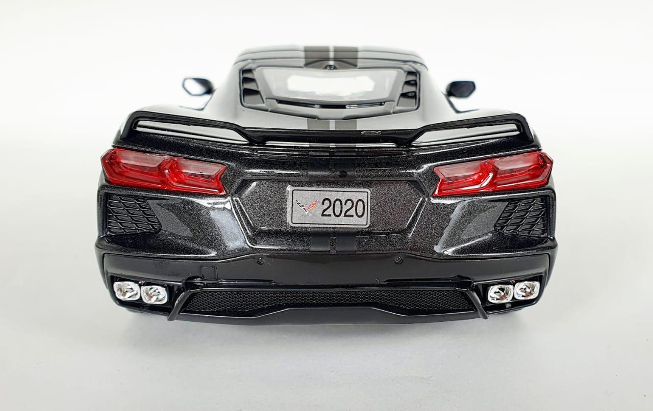 Miniatura Chevrolet Corvette Stingray Cinza 2020 1/18 Maisto