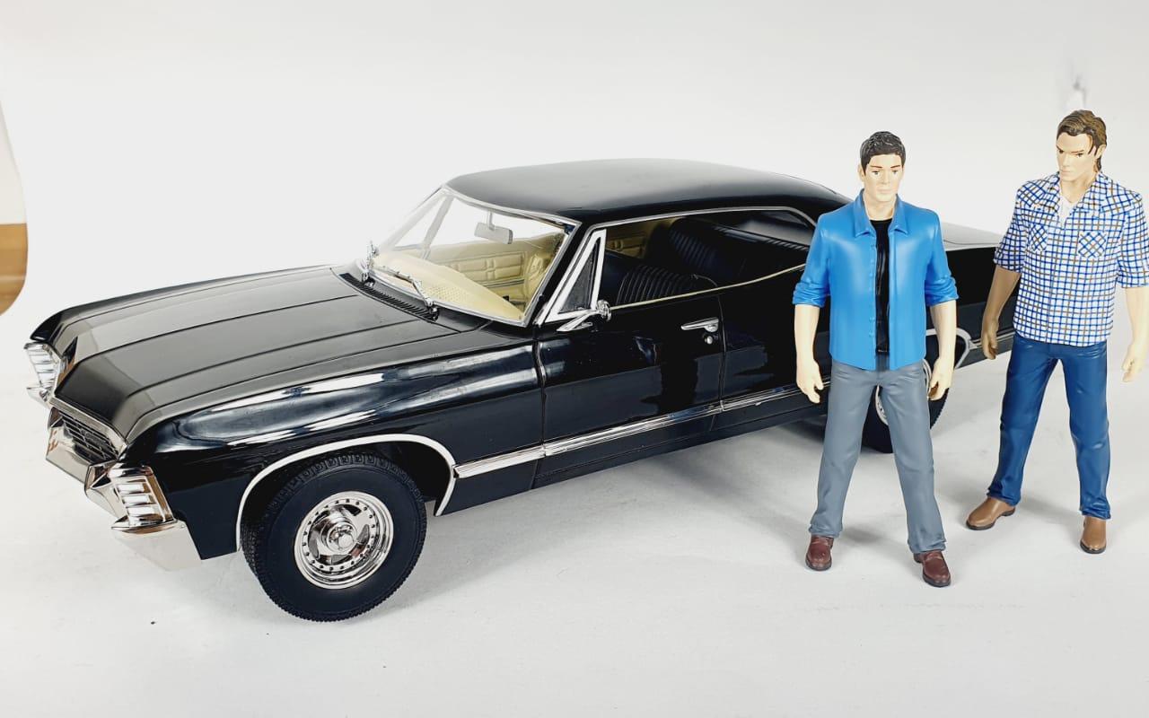 Miniatura Chevrolet Impala 1967 Supernatural Com Bonecos 1/18 Greenlight