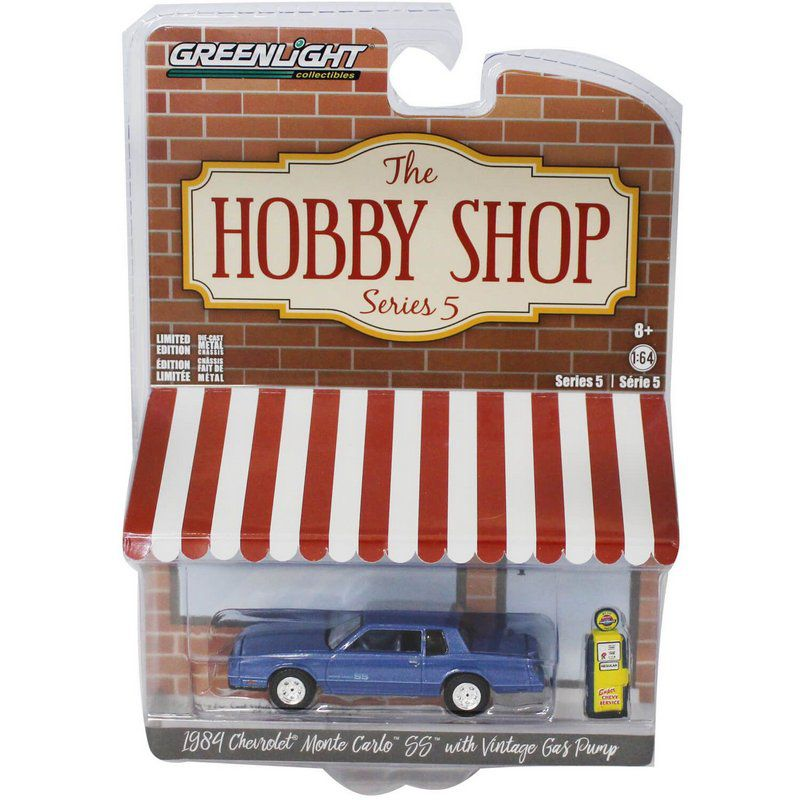Miniatura Chevrolet Monte Carlo SS 1984 e Bomba de Combustivel Vintage The Hobby Shop Series 5 1/64 Greenlight