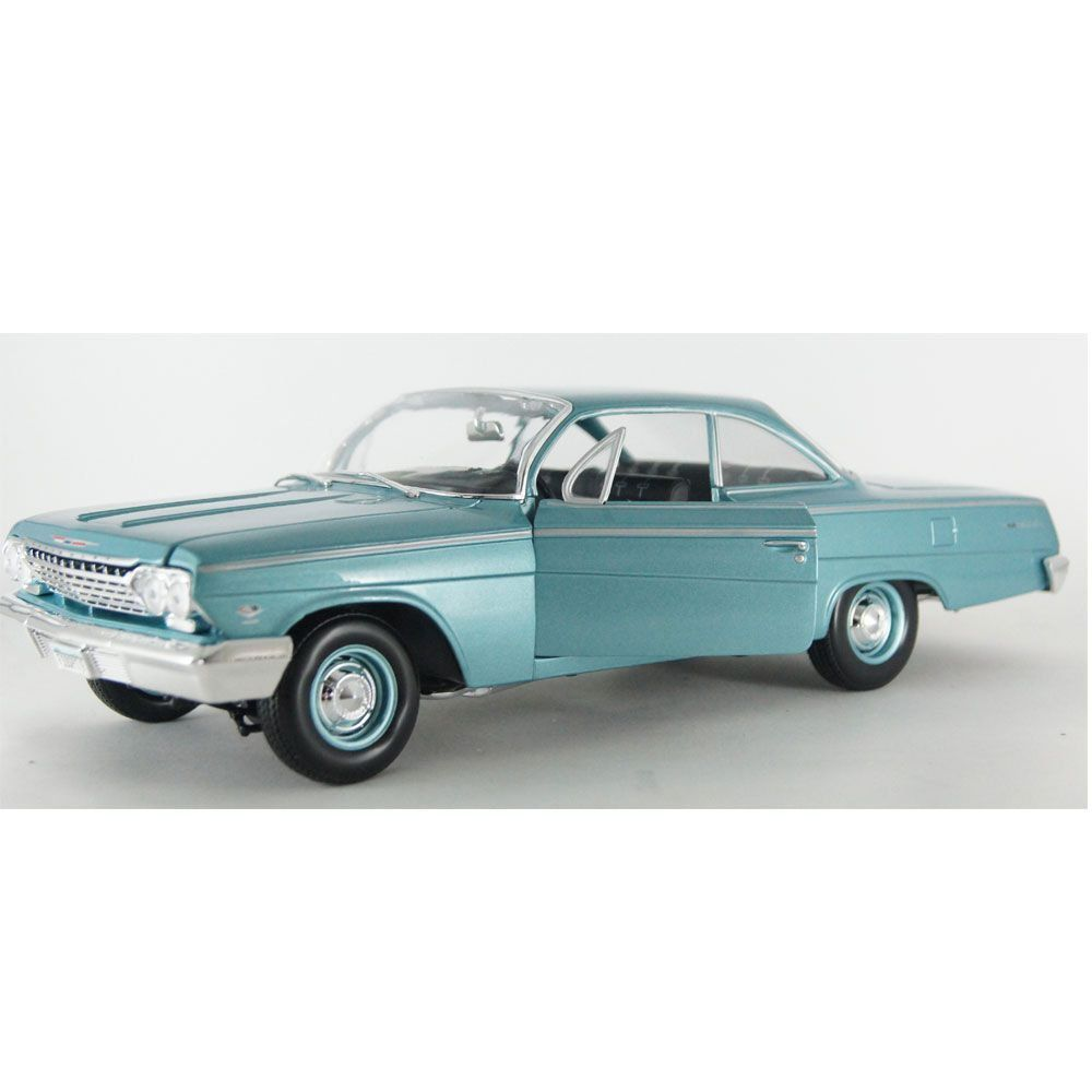 Miniatura CHEVY BEL AIR 1962 1/18 MAISTO