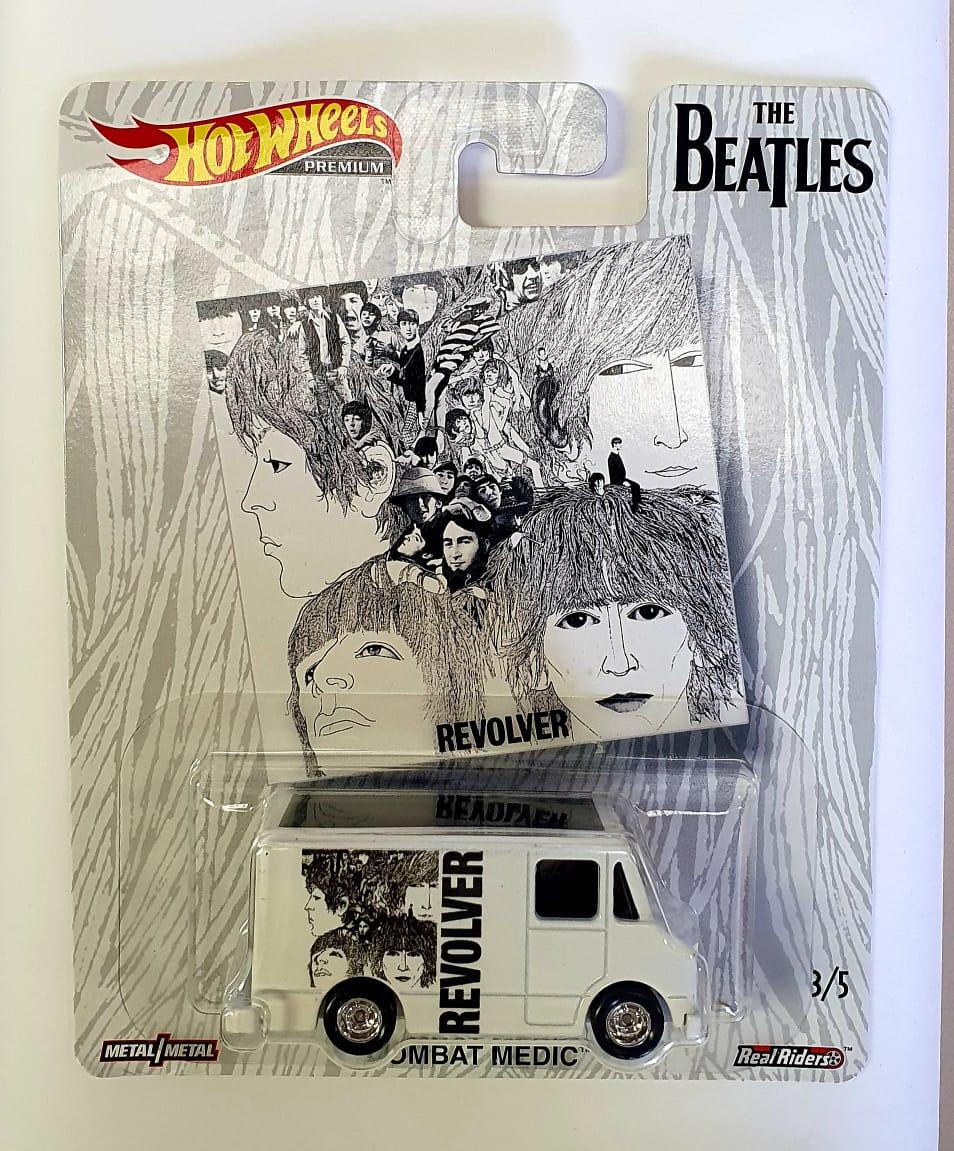 Miniatura Combat Medic Revolver The Beatles 1/64 Hot Wheels