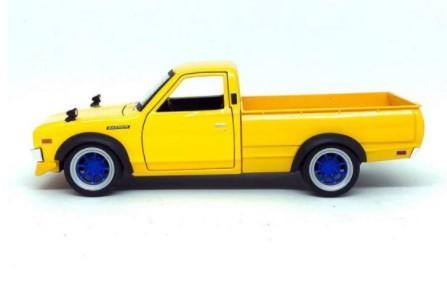 Miniatura Datsun 620 Pick Up 1973 1/24 Maisto