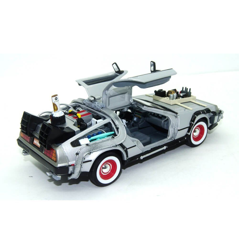 Miniatura Delorean De Volta Para o Futuro 3 1/24 Welly