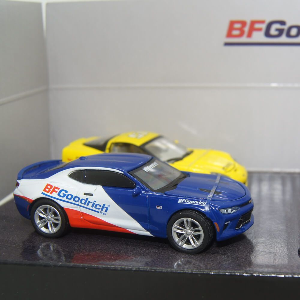 Miniatura Diorama BFGoodrich Performance Tire Shop 1/64 Greenlight