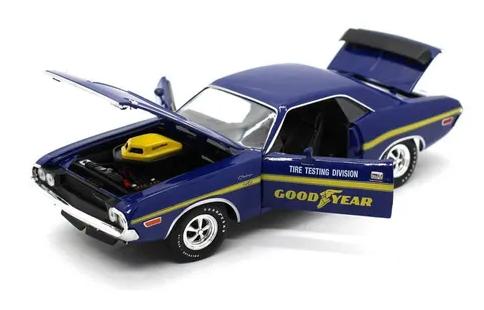 Miniatura Dodge Challenger R/T HEMI 1970 Goodyear 1/24 M2 Machines