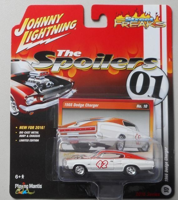 Miniatura Dodge Charger 1966 The Spoilers 01 1/64 Johnny Lightning