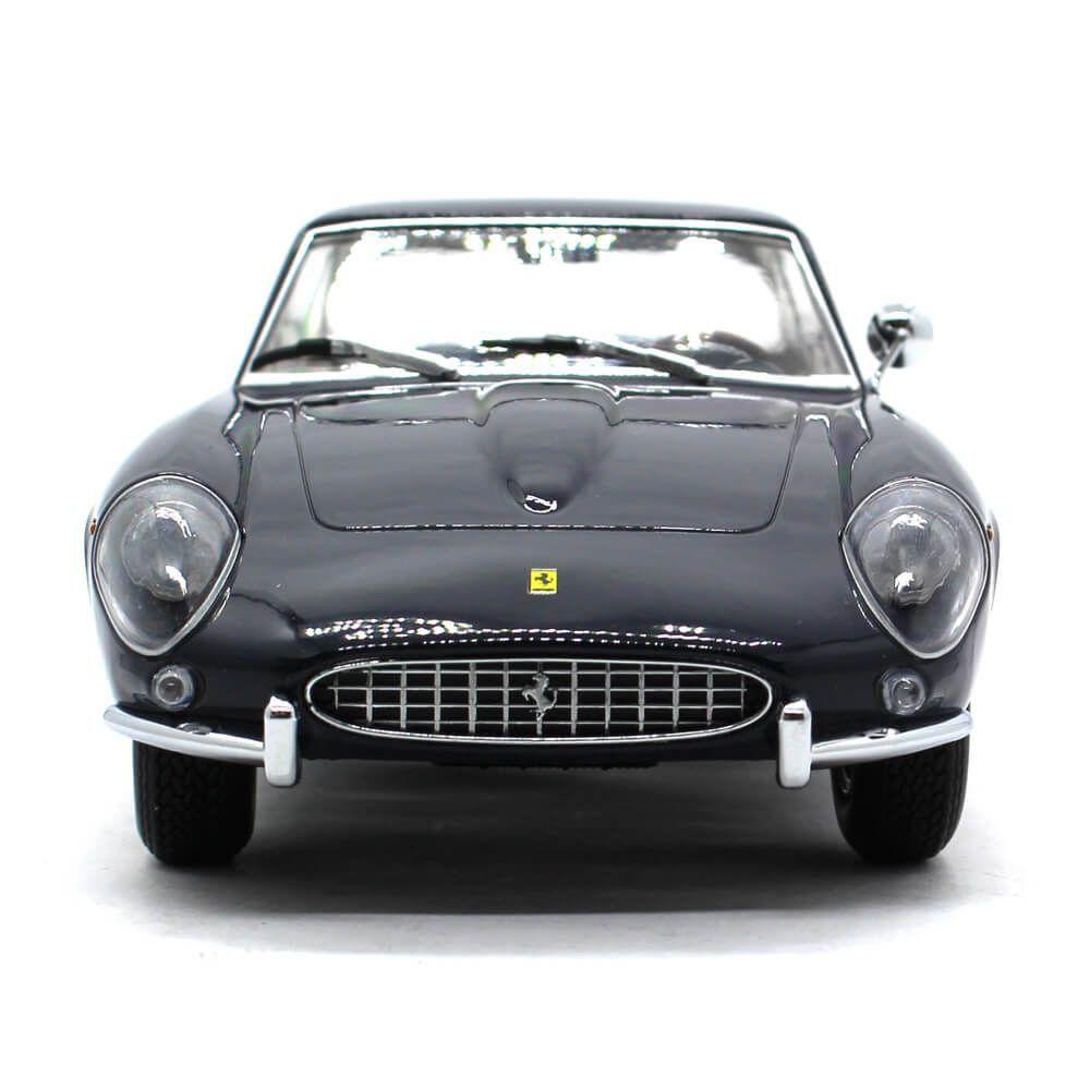 Miniatura Ferrari 400 Superamerica 1962 1/18 KK Scale Models