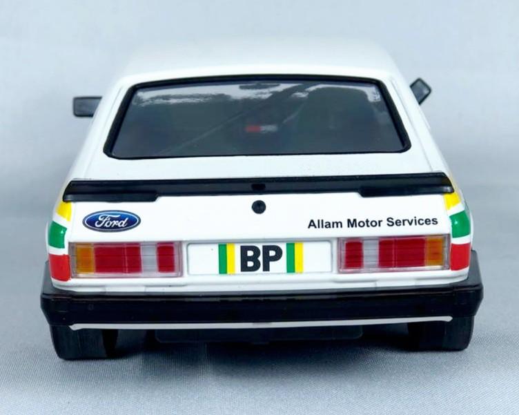 Miniatura Ford Capri 3.0 1979 Allam Motor Services 1/18 Minichamps