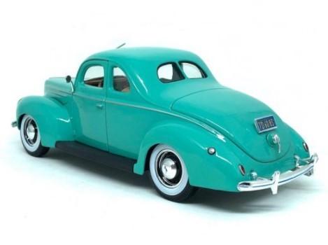 Miniatura Ford Deluxe 1939 Verde 1/18 Maisto Special Edition