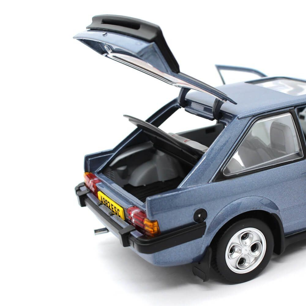 Miniatura Ford Escort XR3i Saloon 1983 1/18 Sun Star European Collectibles