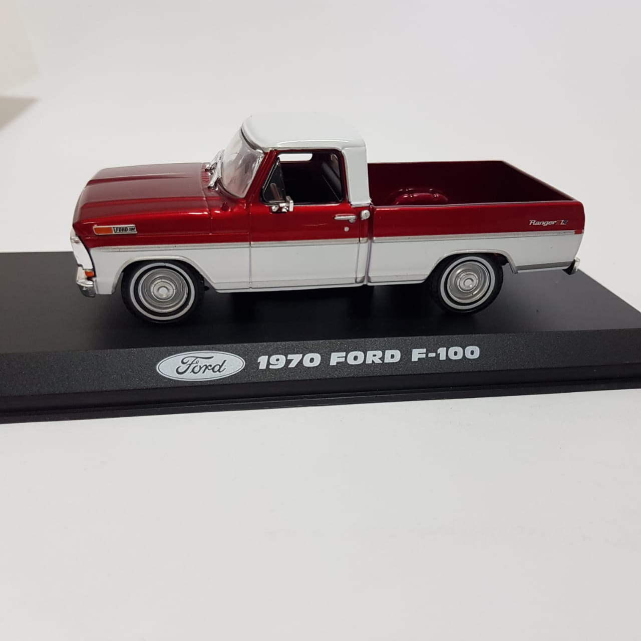 Miniatura Ford F-100 1970 Vermelha 1/43 Greenlight