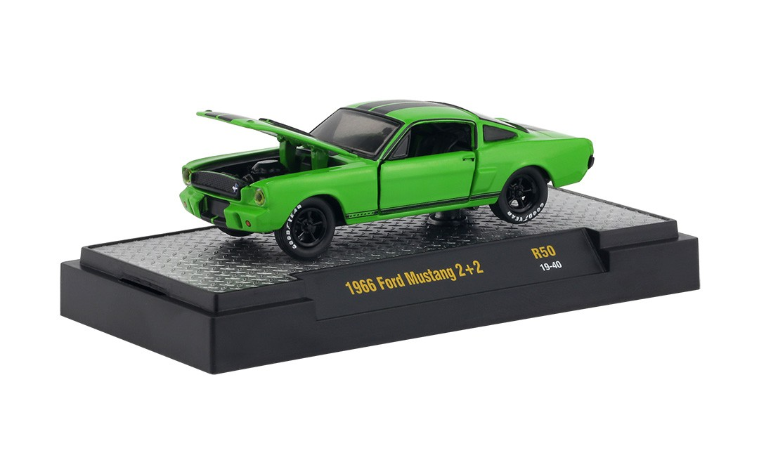 Miniatura Ford Mustang 2 + 2 1966 1/64 M2