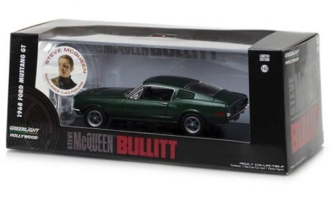 Miniatura Ford Mustang GT 1968 Steve McQueen Bullitt com Boneco 1/43 Greenlight