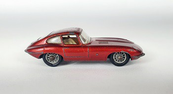 Miniatura Jaguar E Type N°32 1/64 Matchbox