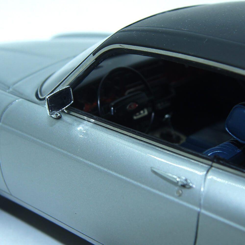Miniatura Jaguar XJ-C 4.2 1974 1/18 Neo Com Defeito