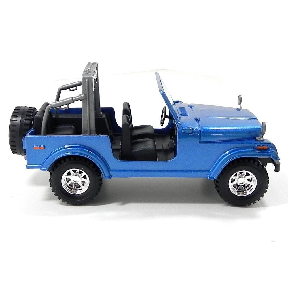 Miniatura Jeep CJ-7 1/24 Bburago