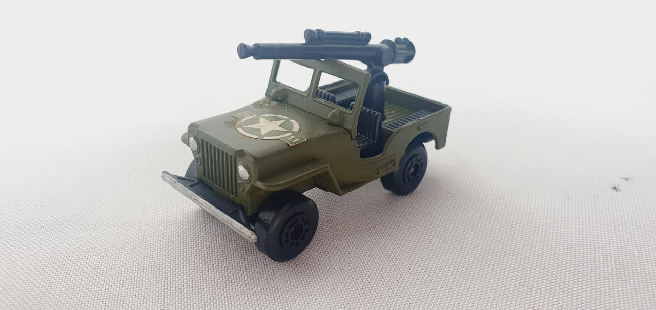 Miniatura Jeep Sleet-N-Snow N°II Superfast 1/64 Matchbox