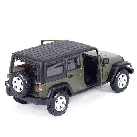 Miniatura Jeep Wrangler Unlimited 2015 1/24 Maisto