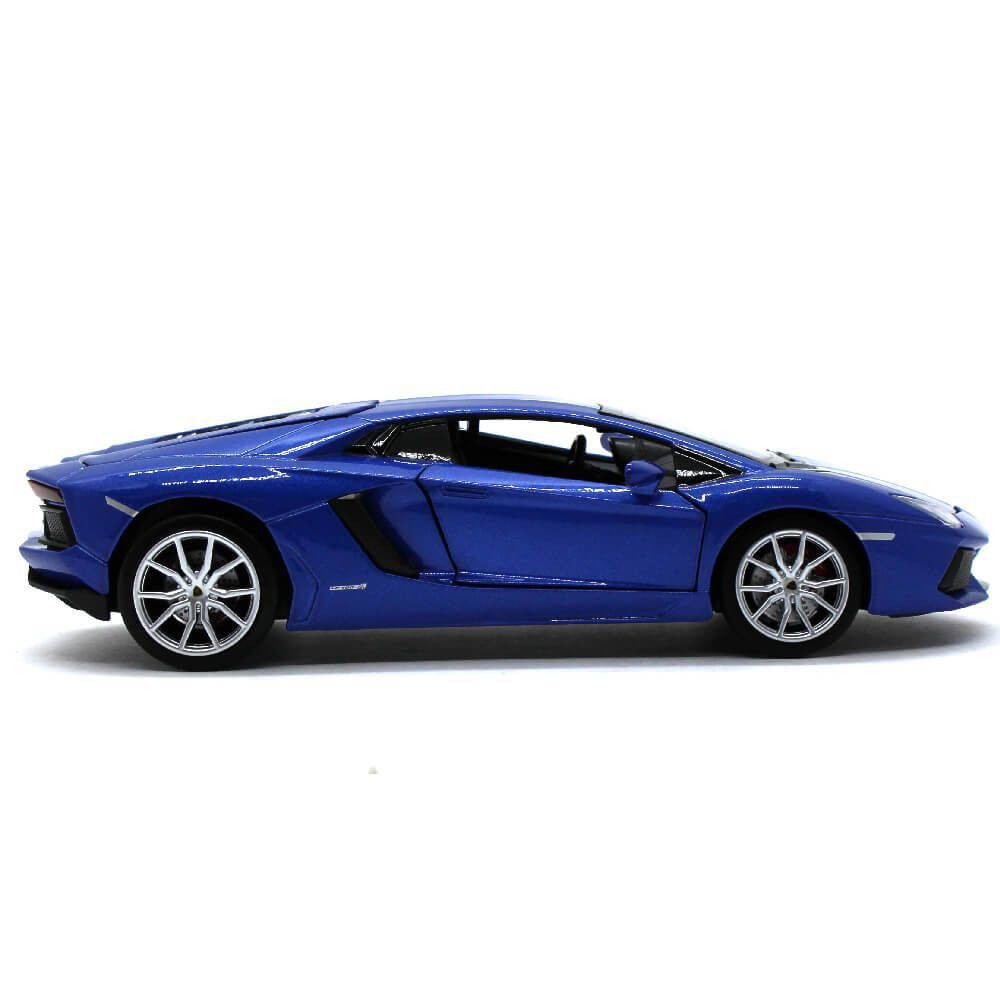 Miniatura Lamborghini Aventador LP700-4 Roadster Luz e Som 1/24 California Action