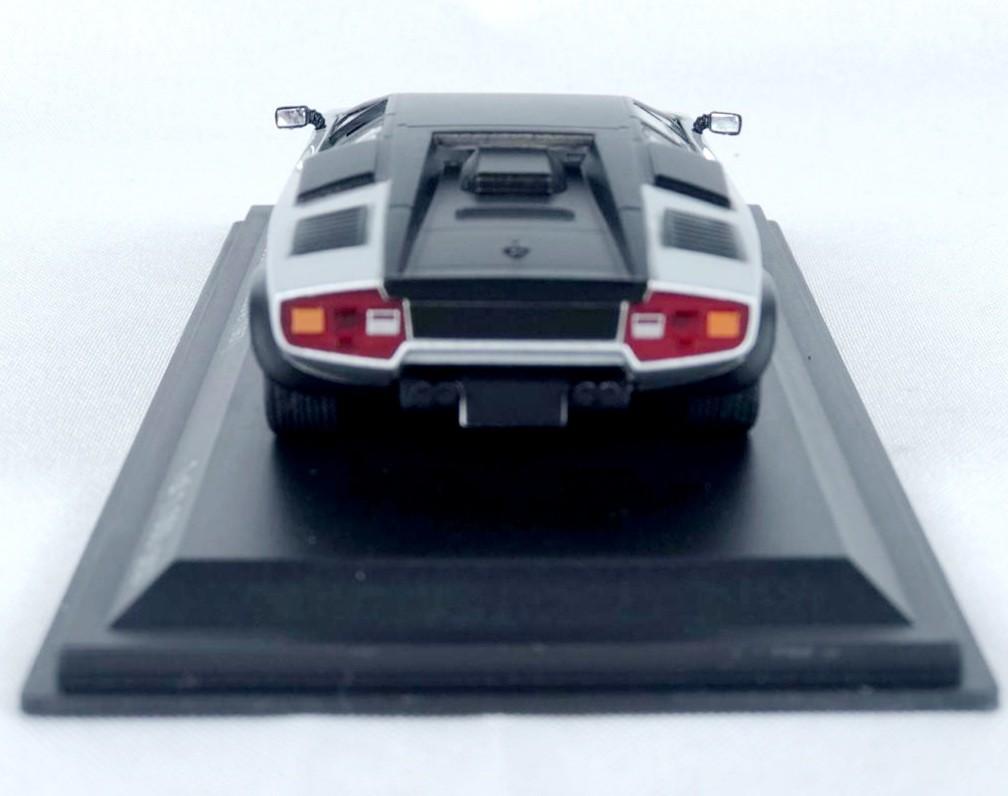 Miniatura Lamborghini Countach Evoluzione 1987 1/43 Whitebox