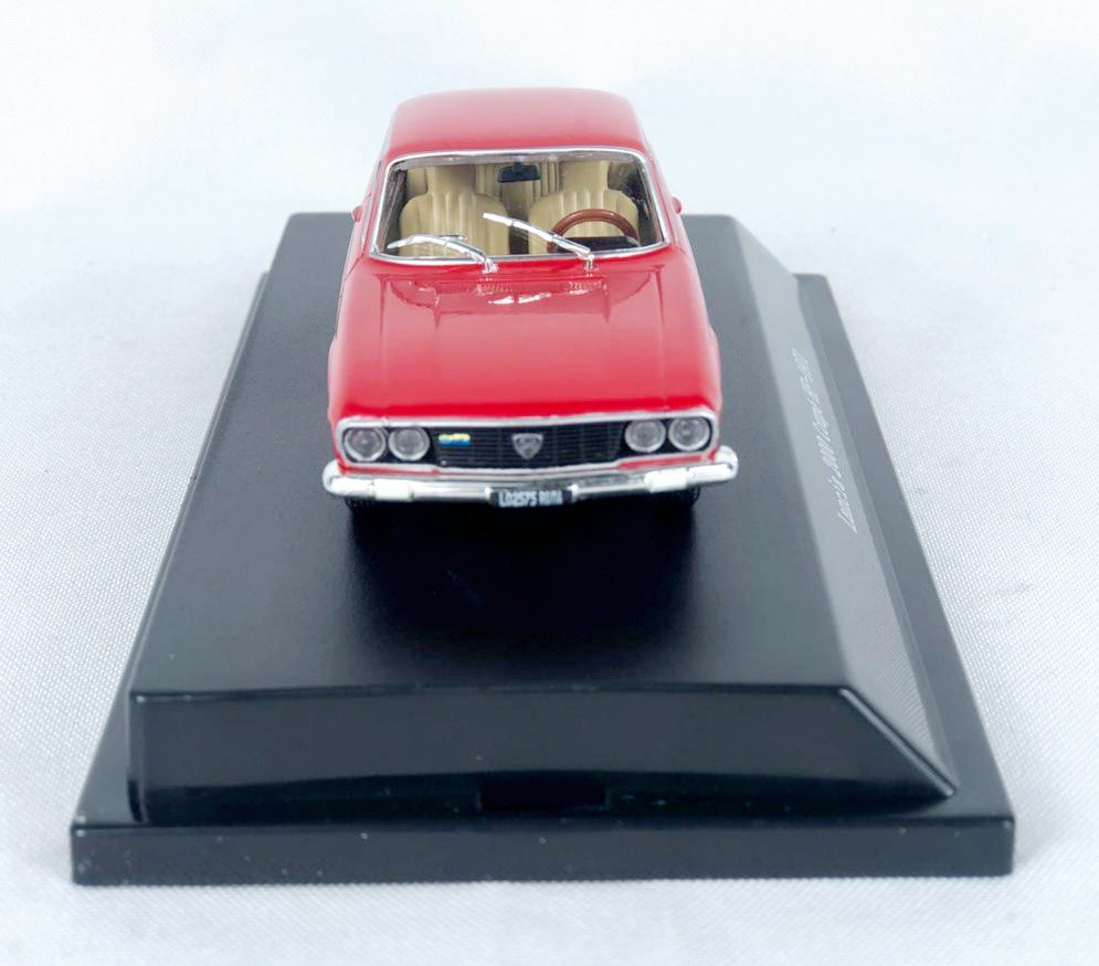 Miniatura Lancia 2000 Coupe HF 1971 1/43 Starline
