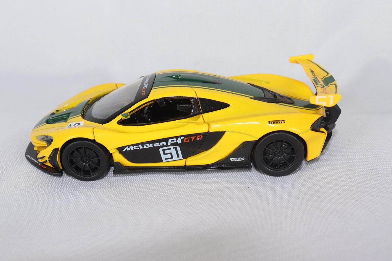 Miniatura McLaren Senna P1 GTR Luz e Som 1/32 California Action