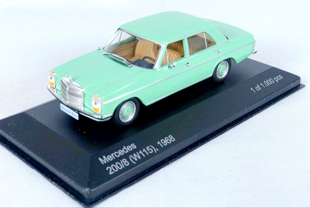 Miniatura Mercedes Benz 200/8 1968 1/43 Whitebox