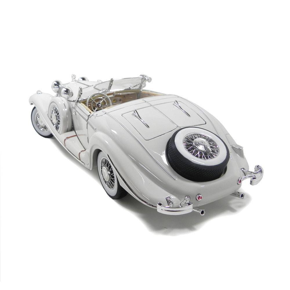 Miniatura Mercedes-Benz 500 K Typ Specialroadster 1936 Branco 1/18 Maisto Premiere Edition