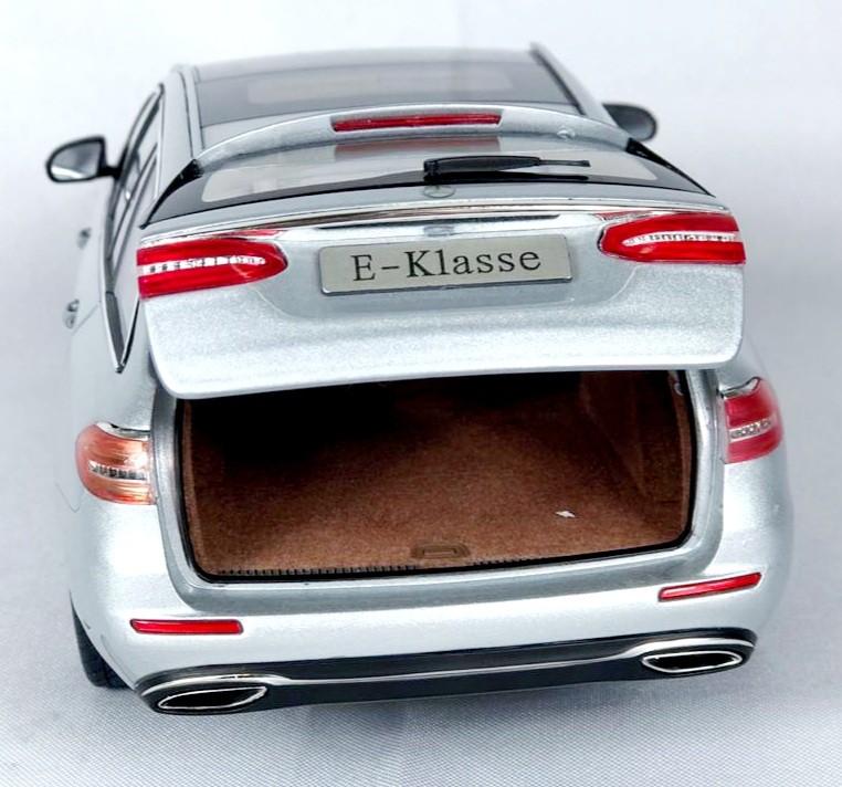 Miniatura Mercedes Benz Classe E 1/18 Iscale