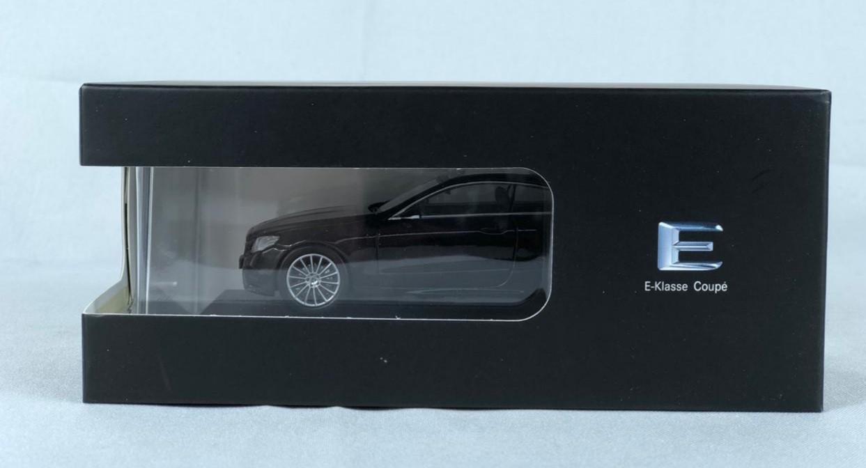 Miniatura Mercedes Benz Classe E Coupe 1/43 Norev