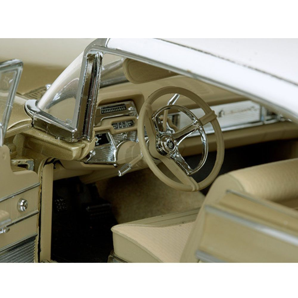 Miniatura Mercury Park Lane Hard Top 1959 1/18 The Platinum Collection