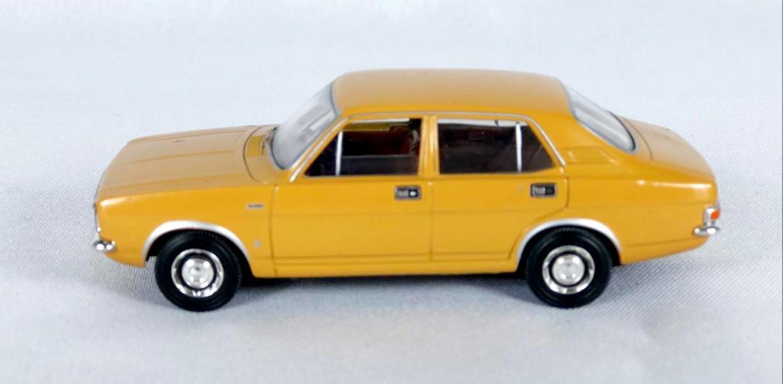 Miniatura Morris Marina 1800  Vanguards 1/43 Corgi