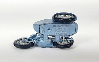 Miniatura Moto Triumph Tiio N°4 1/64 Matchbox