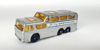 Miniatura Ônibus Coach Greyhound N°66 1/64 Matchbox
