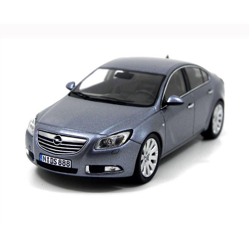 Miniatura Opel Insignia 1/43 Schuco