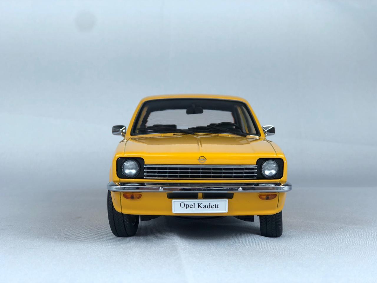 Miniatura Chevette Opel Kadett Laranja 1/18 KK Scale