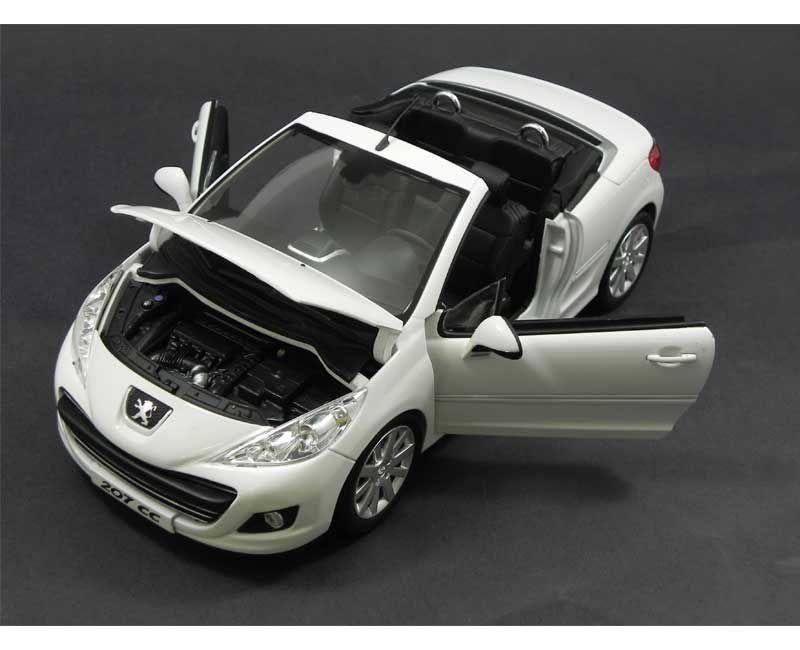Miniatura Peugeot 207 CC 2007 1/18 Norev