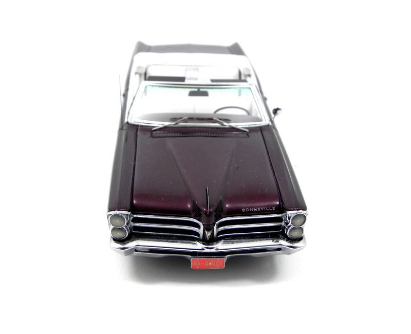 Miniatura Pontiac Bonneville Conversível 1/43 Neo