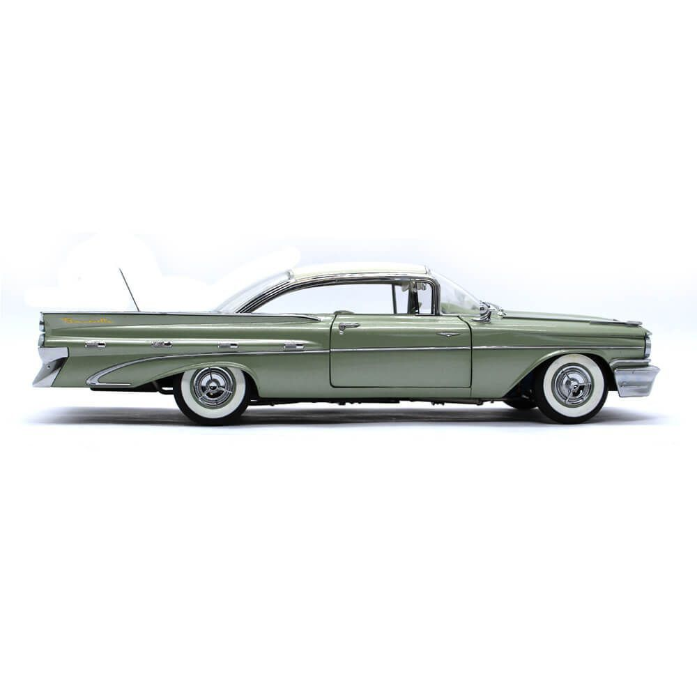 Miniatura Pontiac Bonneville Hard Top 1959 1/18 Sun Star The Platinum Collection