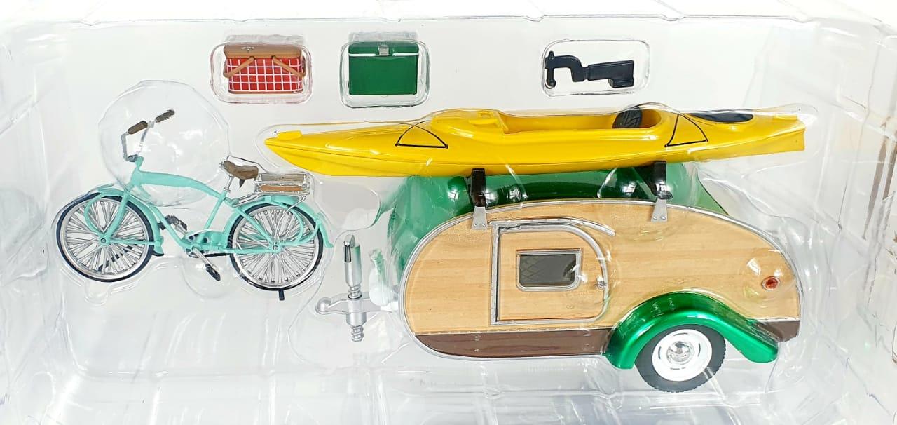 Miniatura Tear Drop Trailer 1947 1/24 Greenlight Greenmachine