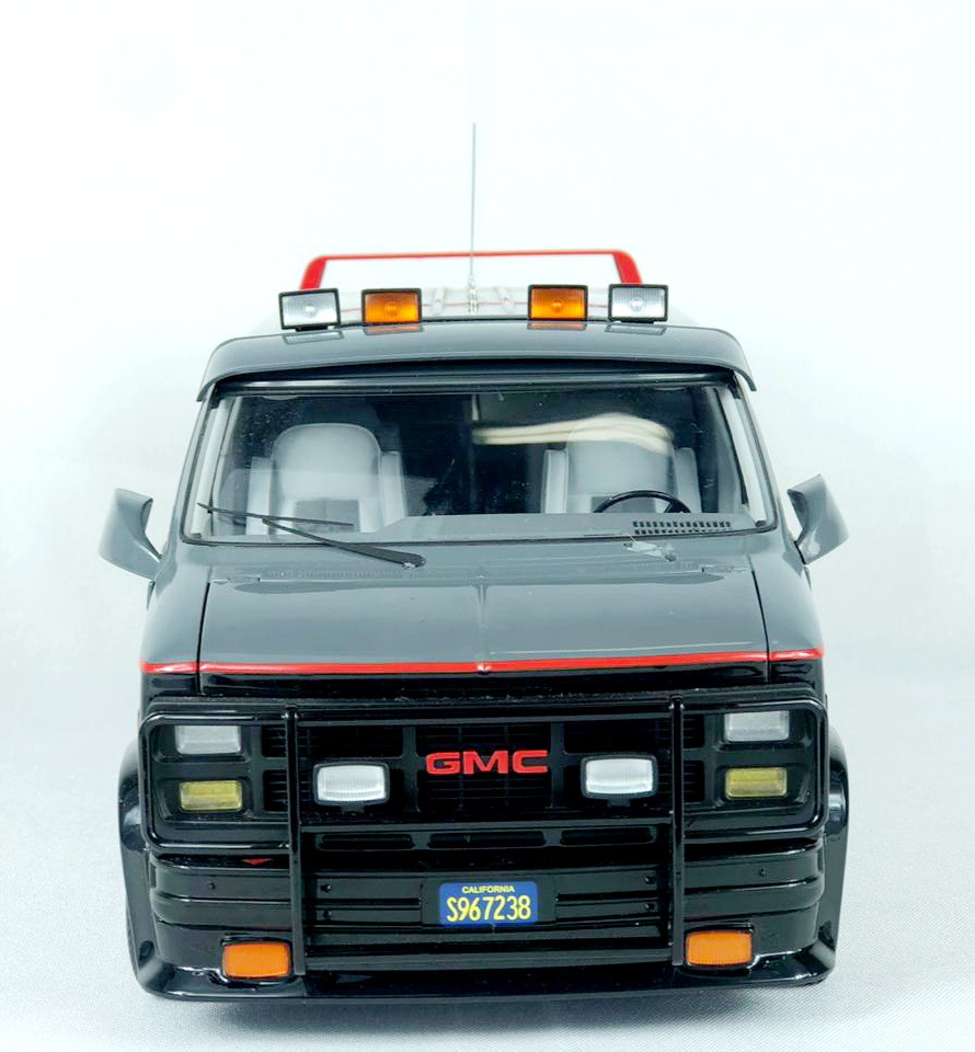 Miniatura Van GMC The A-Team Esquadrão Classe A Defeito Elite Hot Wheels 1/18