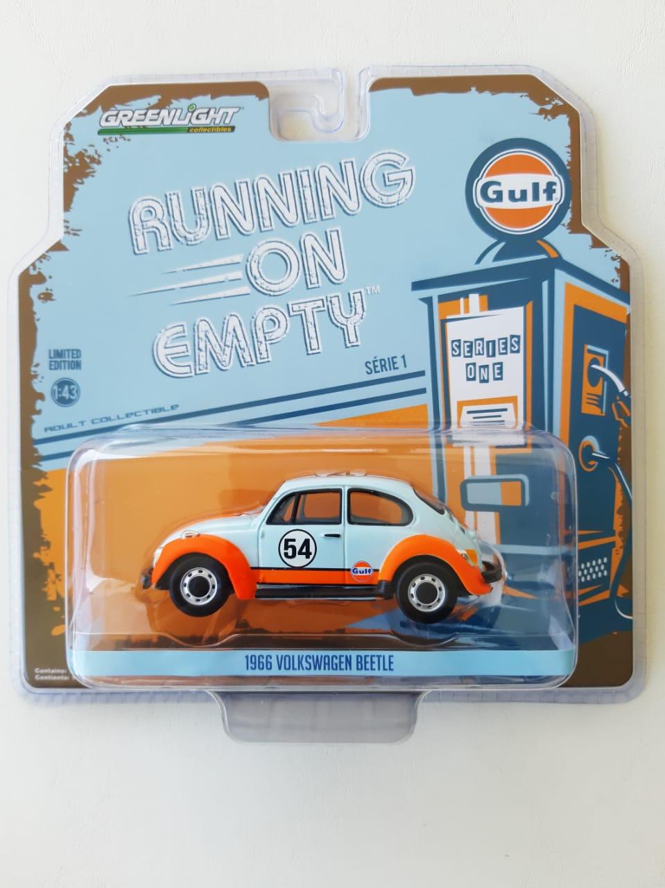 Miniatura Volkswagen Fusca Beetle Gulf 1966 1/43 Greenlight