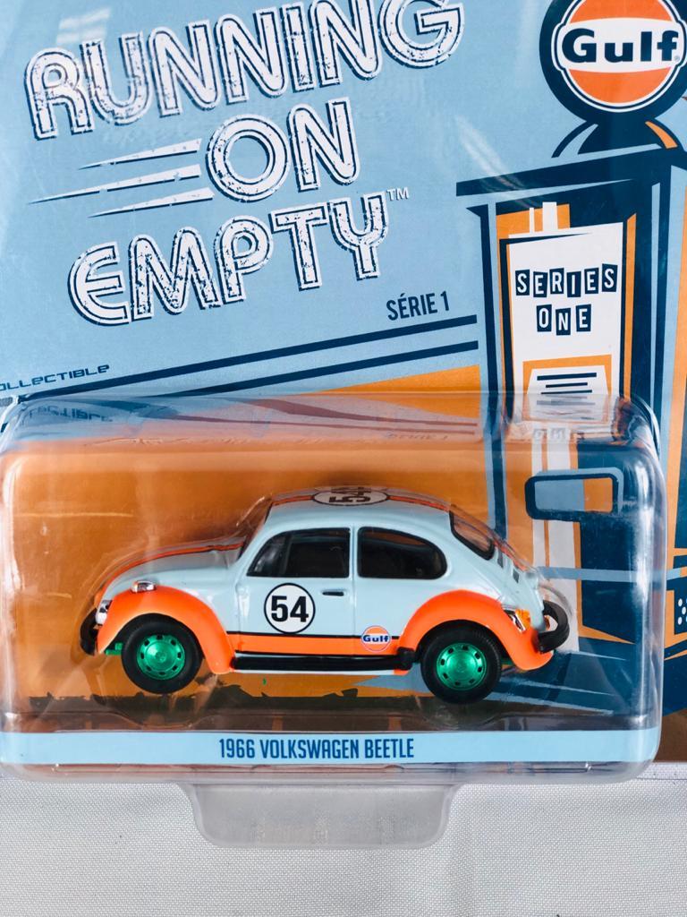 Miniatura Volkswagen Fusca Beetle Gulf 1966 1/43 Greenlight Greenmachine