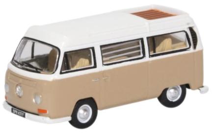 Miniatura Volkswagen Kombi Camper Savannah Beige/White 1/76 Oxford