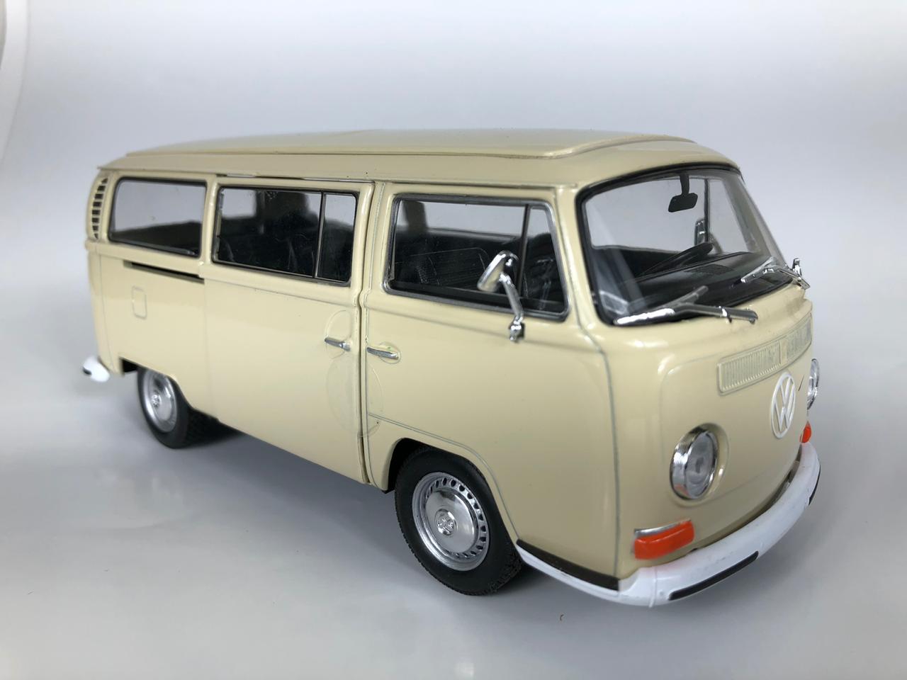 Miniatura Volkswagen Kombi T2 1972 1/24 Welly